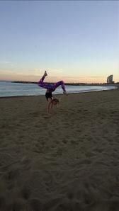 Beach Handstand - Leg Variation